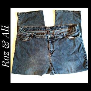 Roz & Ali Woman Blue Jeans Crop Leg Size 20